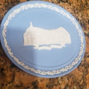 Collectible wedgwood plate